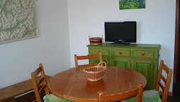 Studio in Montchavin, With Wonderful Mountain View, Furnished Garden a